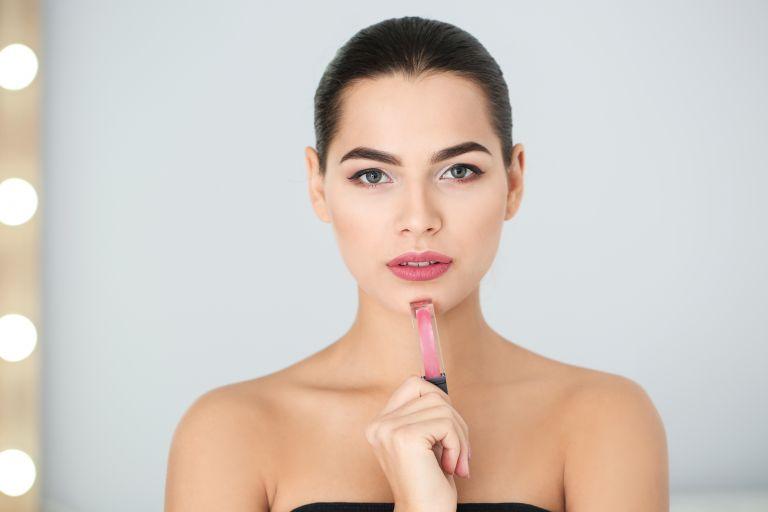 Τα 5 λάθη που κάνετε με το υγρό κραγιόν | vita.gr