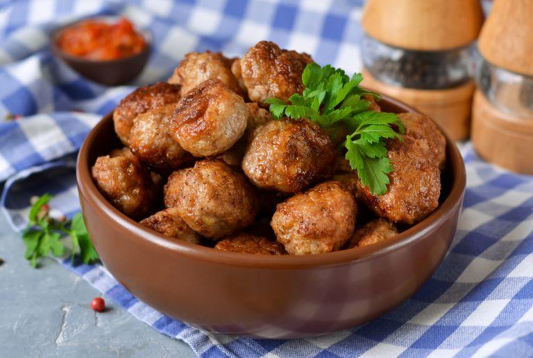 Παραδοσιακή συνταγή για κεφτεδάκια | vita.gr