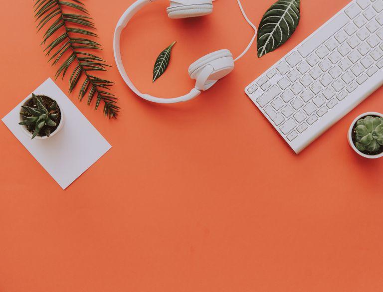 Πώς θα απολυμάνετε αποτελεσματικά το πληκτρολόγιό σας | vita.gr