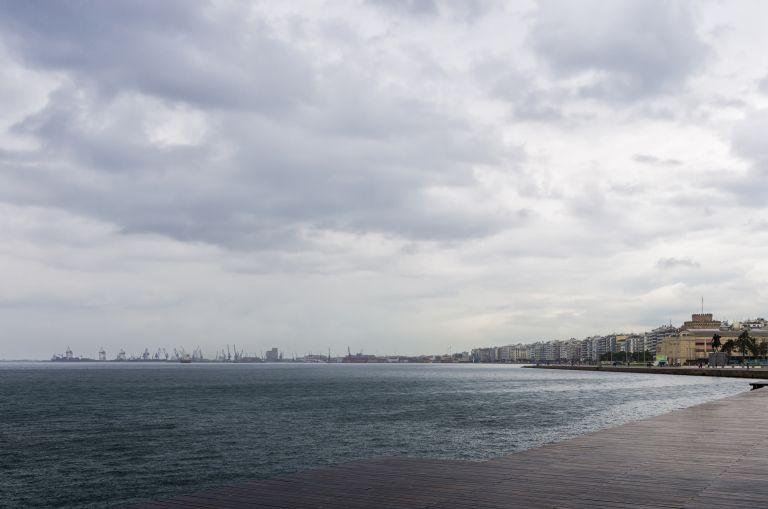 Άστατος ο καιρός – Πού θα σημειωθούν βροχές και καταιγίδες | vita.gr