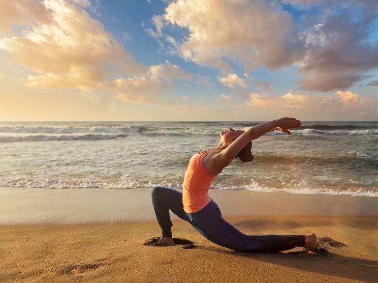 Τονώστε το σώμα σας με αυτές τις στάσεις γιόγκα | vita.gr