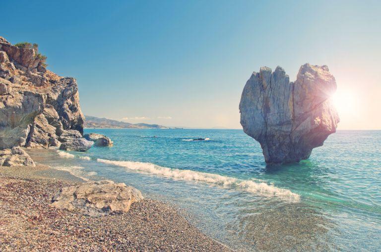 Καλός και ζεστός ο καιρός με μεμονωμένες καταιγίδες | vita.gr