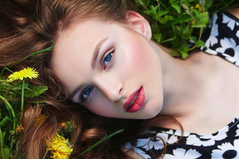 Φρέσκο και νεανικό καλοκαιρινό μακιγιάζ | vita.gr