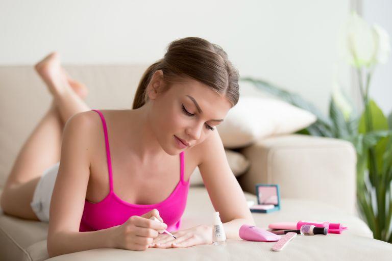 Τρεις τρόποι να στεγνώσετε πιο γρήγορα τα νύχια σας   vita.gr