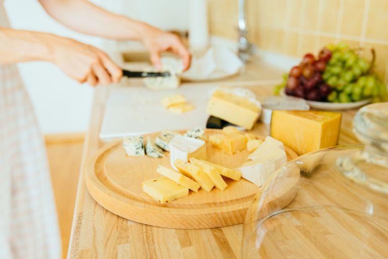 Κορεσμένα λιπαρά: Να τρώμε λίγα ή καθόλου; | vita.gr