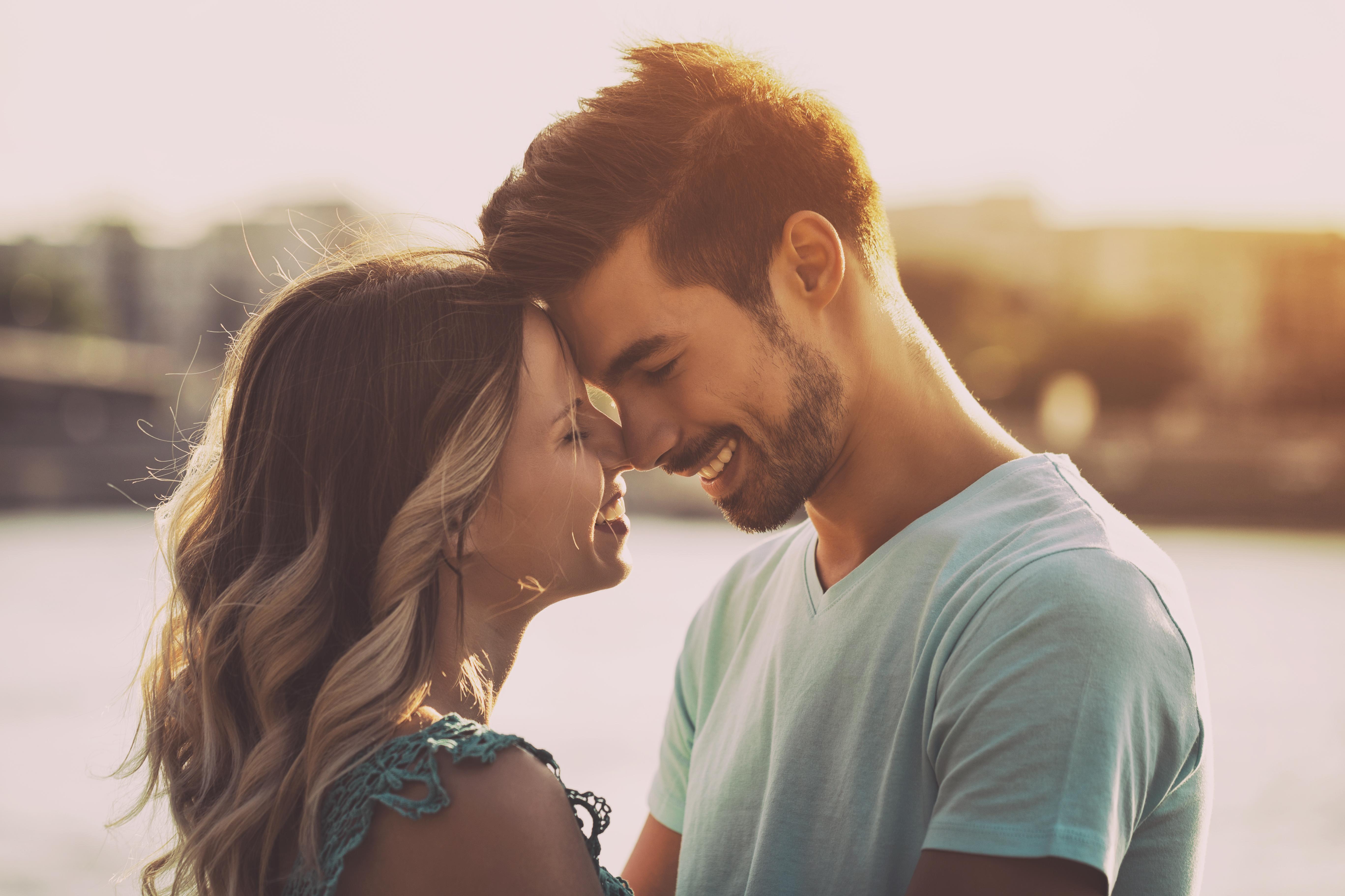 κάνει Dating εργασίας χωρίς εγγραφή Ασιάτης/ισσα dating