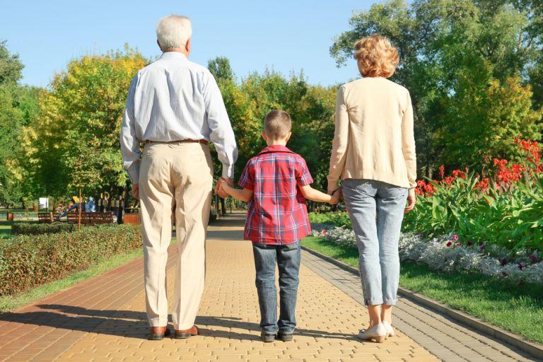 Το περπάτημα «διώχνει» το Αλτσχάιμερ | vita.gr