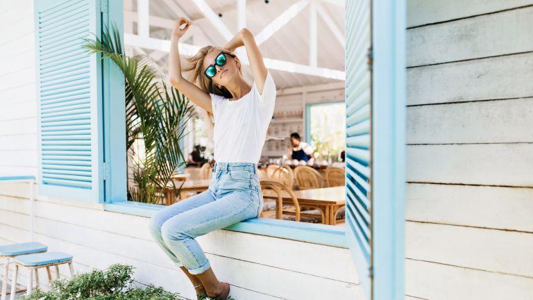Πώς να πλύνετε σωστά τα τζιν παντελόνια | vita.gr