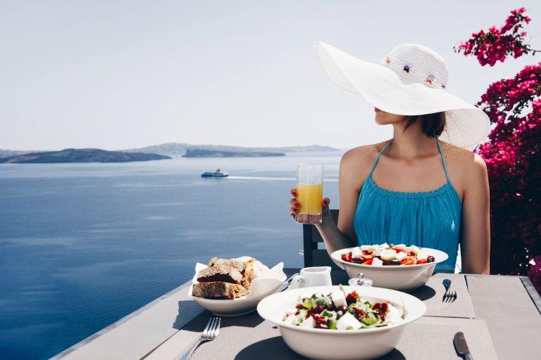 Τι μπορείτε να φάτε έξω όταν είστε σε δίαιτα | vita.gr
