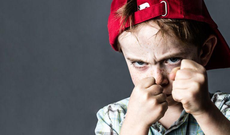 Πώς θα κάνετε το παιδί να σταματήσει να σας χτυπάει | vita.gr