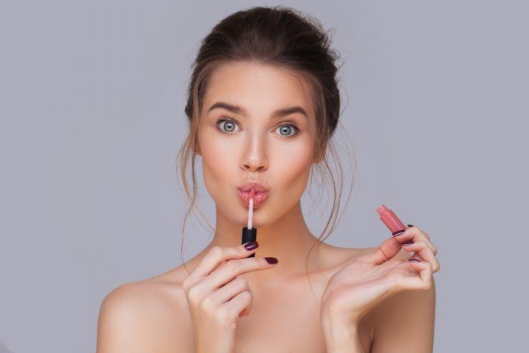 Μακιγιάζ για μεγαλύτερα χείλη με φυσικό αποτέλεσμα | vita.gr