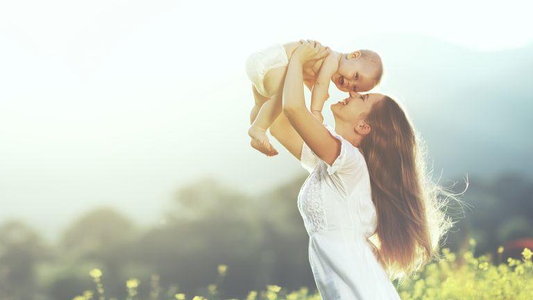 Έτσι θα καταλάβετε αν το μωρό σας είναι χαρούμενο | vita.gr