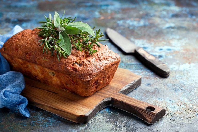 Aλμυρό κέικ με δυόσμο | vita.gr