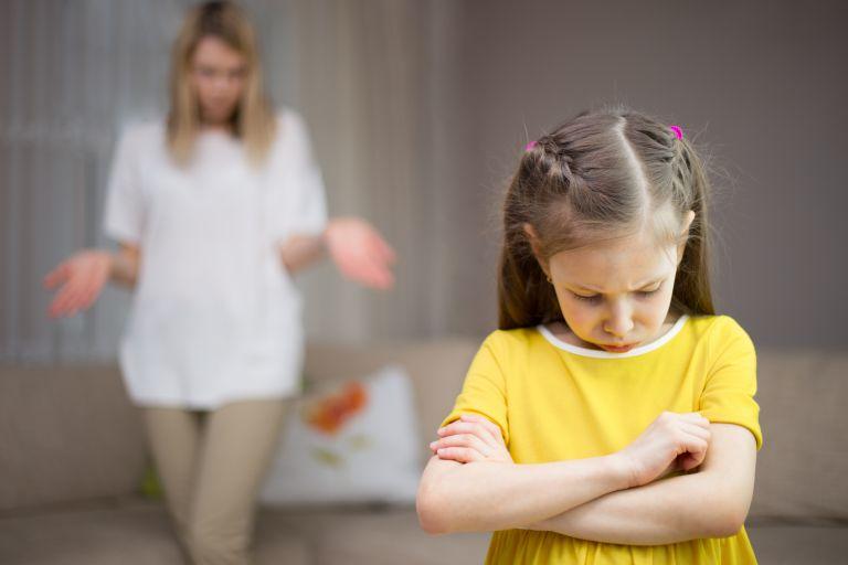 Γιατί δεν πρέπει να λέτε ποτέ στο παιδί: «Γιατί έτσι!» | vita.gr