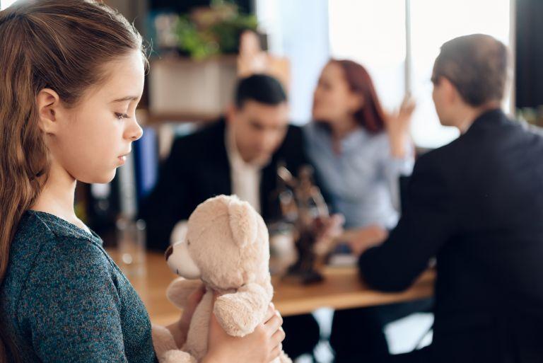 Πώς θα προστατέψετε τα παιδιά από τις συνέπειες του διαζυγίου | vita.gr