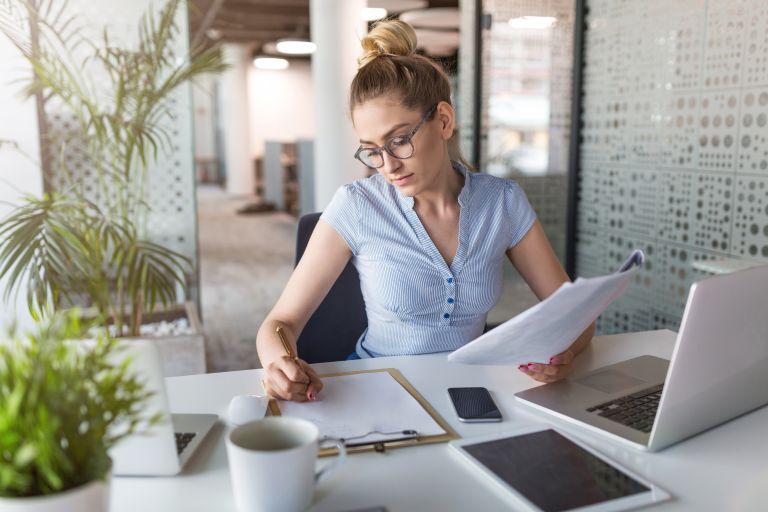 Πώς θα αδυνατίσετε τρώγοντας στο γραφείο | vita.gr