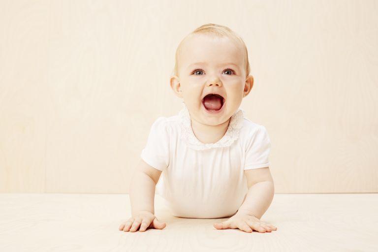 Τι σημαίνουν οι εκφράσεις των μωρών; | vita.gr