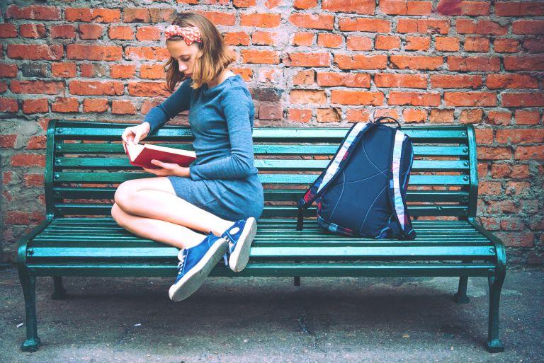 Κορίτσια και εφηβεία: Πώς θα τη βοηθήσετε να παραμείνει ευτυχισμένη | vita.gr