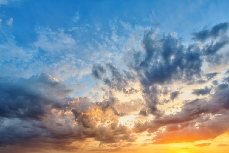 Καιρός: Άστατος με βροχές και καταιγίδες | vita.gr