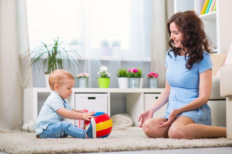 Ανάπτυξη παιδιού: Οι κινήσεις που δεν πρέπει να διαφύγουν της προσοχής σας | vita.gr