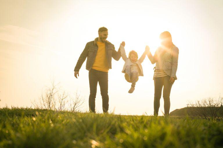 Παντρεμένοι με παιδιά: Πώς θα συμφωνήσετε για την ανατροφή του | vita.gr