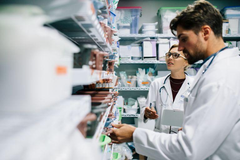 Zantac: Οι αιτίες που οδήγησαν τον ΕΟΦ στην ανάκληση του φαρμάκου και των γενοσήμων του | vita.gr