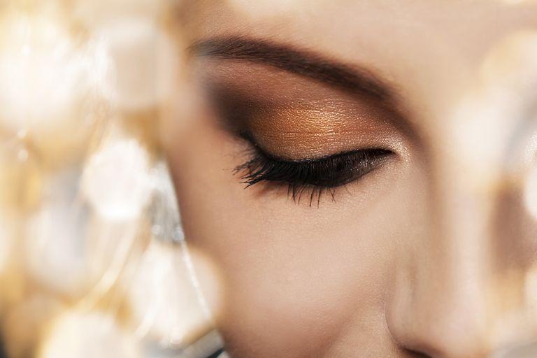 Φθινοπωρινό μακιγιάζ σε χρυσαφένιες αποχρώσεις | vita.gr