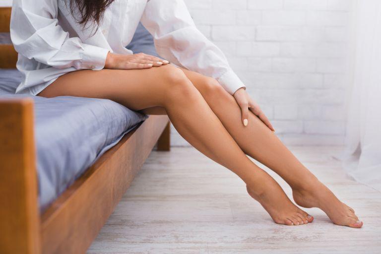 Κράμπες: Όσα πρέπει να ξέρετε για να μη σας «πιάνουν» στον… ύπνο | vita.gr