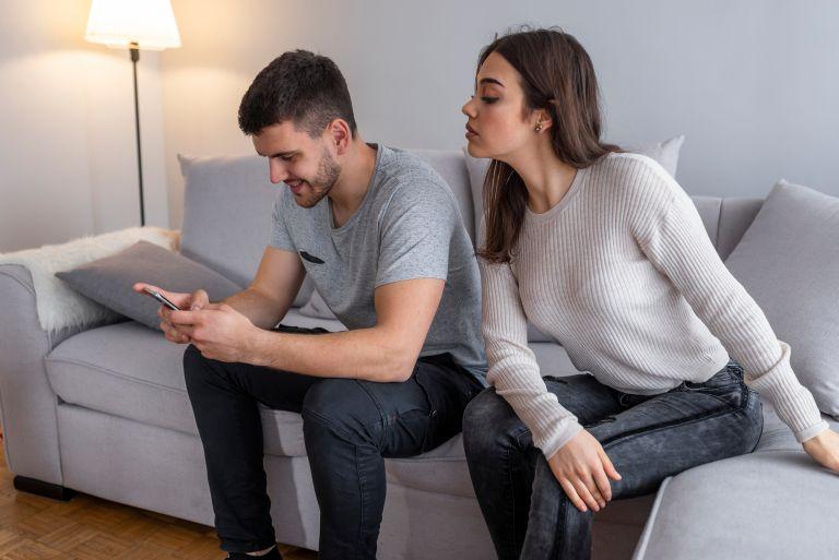 10 δείγματα ότι δεν ξέρετε κάτι σημαντικό για τον σύντροφό σας | vita.gr
