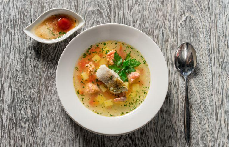 Πανεύκολη και λαχταριστή ψαρόσουπα | vita.gr