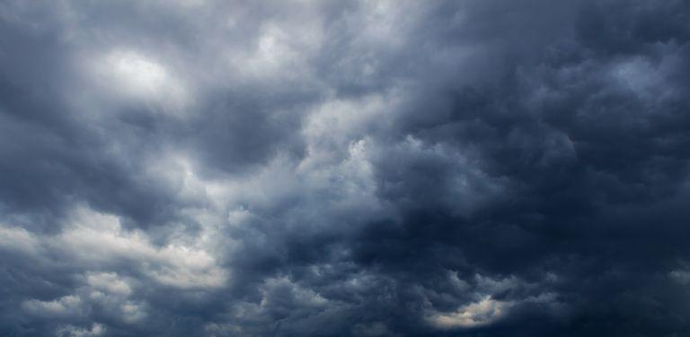 Έκτακτη επιδείνωση του καιρού: Χαλάζι, καταιγίδες, θυελλώδεις άνεμοι | vita.gr