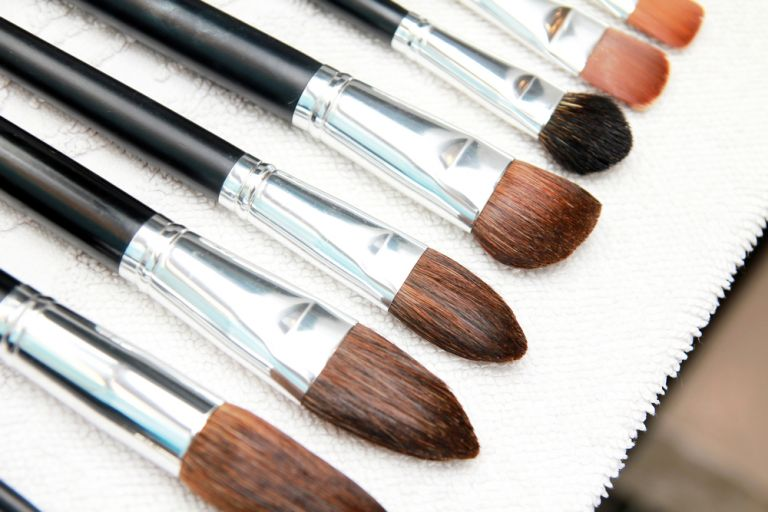 Πινέλα μακιγιάζ: Ετσι τα καθαρίζουμε σωστά | vita.gr