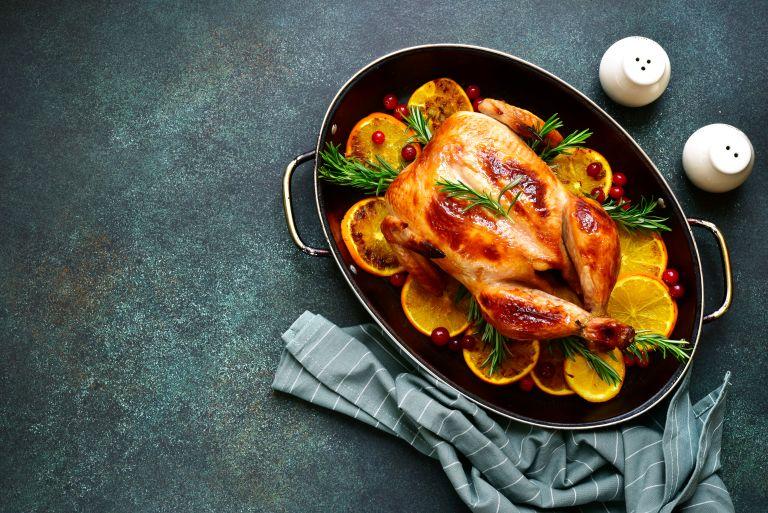 Κοτόπουλο με πορτοκάλι και δεντρολίβανο   vita.gr
