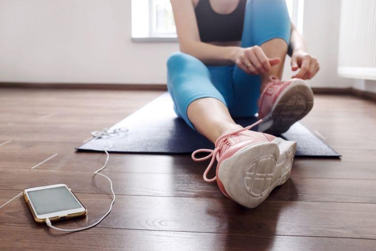 Μπορώ να κάνω γυμναστική ενώ είμαι κρυωμένη; | vita.gr