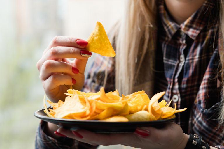 Τι κρύβεται πίσω από την επιθυμία μας για αλμυρές τροφές; | vita.gr