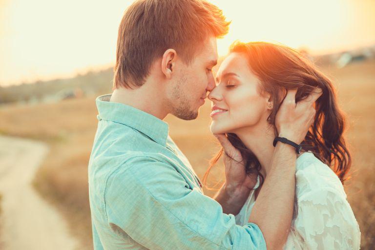 Οι καλύτερες στάσεις στον έρωτα | vita.gr