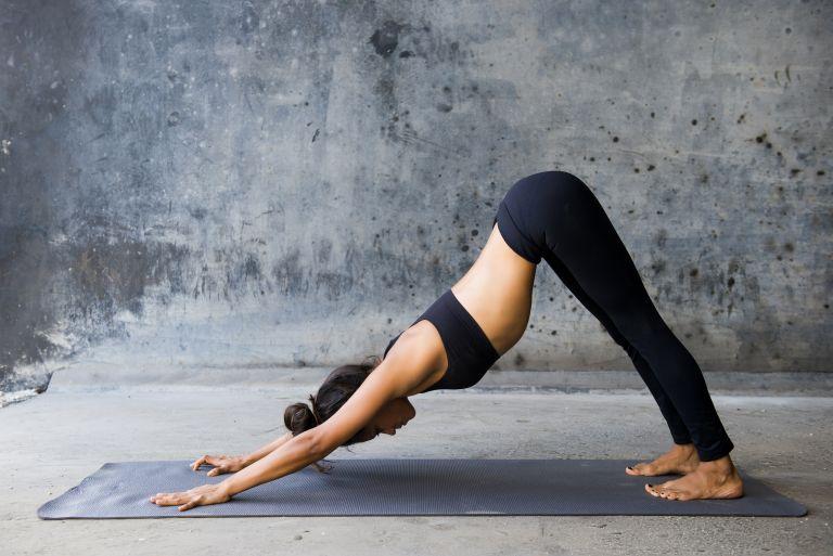Στάσεις γιόγκα για τον πόνο στη μέση | vita.gr