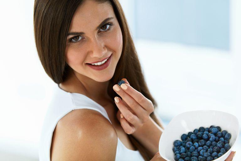 Πολυφαινόλες: Τα αντιοξειδωτικά που δεν πρέπει να λείπουν από τη διατροφή σας | vita.gr