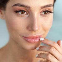 DIY λαδάκι για ζουμερά χείλη