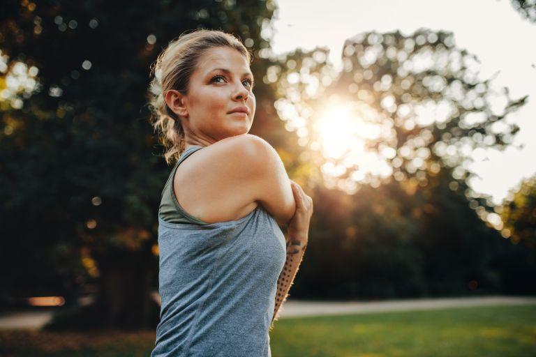 Πώς θα βελτιώσετε τη φυσική σας κατάσταση χωρίς να ξεκινήσετε γυμναστήριο | vita.gr