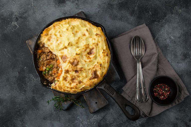 Ζουμερή πίτα με μοσχάρι και λαχανικά   vita.gr