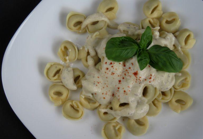 Τορτελίνια με σος γιαουρτιού | vita.gr