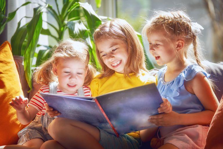 Κάντε το παιδί σας να αγαπήσει το διάβασμα | vita.gr