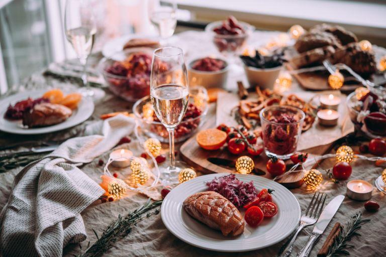 Εορταστικό τραπέζι: Πώς θα αποφύγετε το φούσκωμα | vita.gr