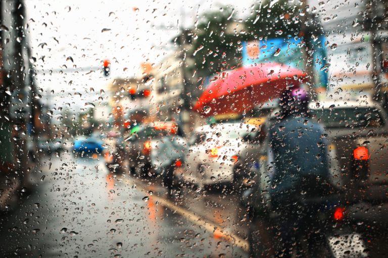 Συνεχίζεται η κακοκαιρία με ισχυρές βροχές και χιόνια | vita.gr