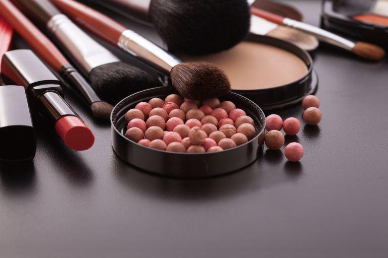 ΕΟΦ: Προσοχή σε δεκαπέντε καλλυντικά προϊόντα | vita.gr
