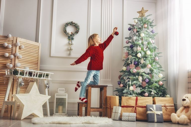 Πόσα δώρα μπορούμε να του πάρουμε χωρίς να το κακομάθουμε; | vita.gr