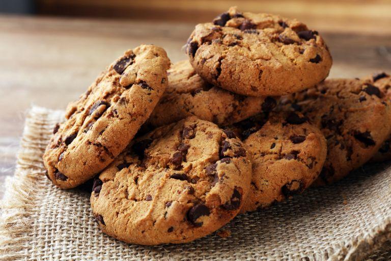 Μπισκότα με κομμάτια σοκολάτας | vita.gr