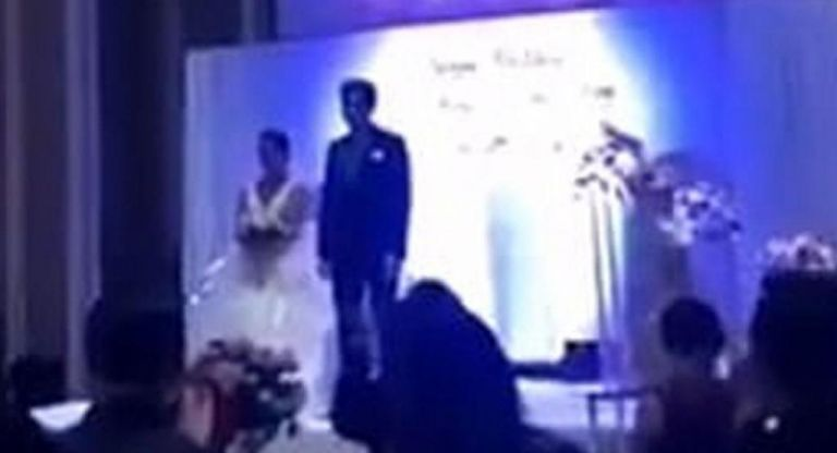 Χαμός σε γάμο : Ο γαμπρός έδειξε βίντεο της νύφης την ώρα που τον απατούσε [Εικόνες]   vita.gr