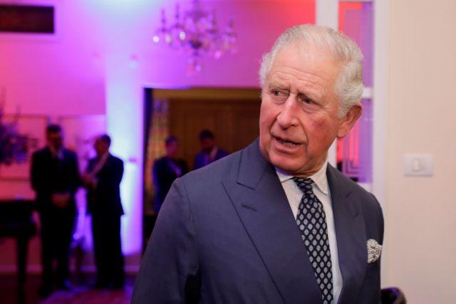Όταν ο Πρίγκιπας Κάρολος φαίνεται να σνομπάρει τον Πενς | vita.gr